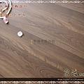 無縫抗潮 浮雕系列-拿鐵橡木4-超耐磨強化木地板.JPG
