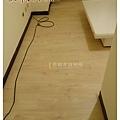 無縫系列-洗白松木-土城8014123-超耐磨木地板.jpg
