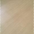 真木紋系列-精緻白橡木-新莊  超耐磨木地板.強化木地板 (2).jpg