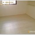 真木紋系列-精緻白橡木-新莊  超耐磨木地板.強化木地板 (3).jpg