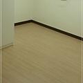 無縫抗潮系列-浮雕系列 經典淺柚木- 超耐磨木地板強化木地板 - (4).jpg