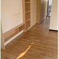 倒角系列 焦糖瑪奇朵 客廳 超耐磨地板 (3).jpg