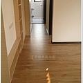 倒角系列 焦糖瑪奇朵 客廳 超耐磨地板 (2).jpg