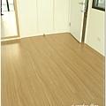 無縫抗潮浮雕系列-直紋橡木-三峽北大-超耐磨木地板-次臥1-4.jpg