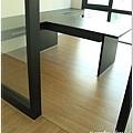 無縫抗潮浮雕系列-直紋橡木-三峽北大-超耐磨木地板-書房1-1.jpg
