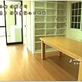 無縫抗潮浮雕系列-直紋橡木-三峽北大-超耐磨木地板-餐廳1-4.jpg