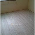 無縫系列-木屋白橡 超耐磨木地板-板橋-小孩房 (2).jpg