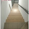 階梯施工中.jpg