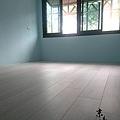 現代歐風-雪松白橡-超耐磨強化木地板 (1).jpg