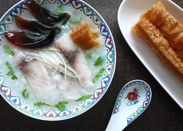 33皮蛋魚片廣東粥~橫P1260977