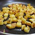 美國馬鈴薯~牛肉薯丁班尼迪蛋~logo步驟3.jpg