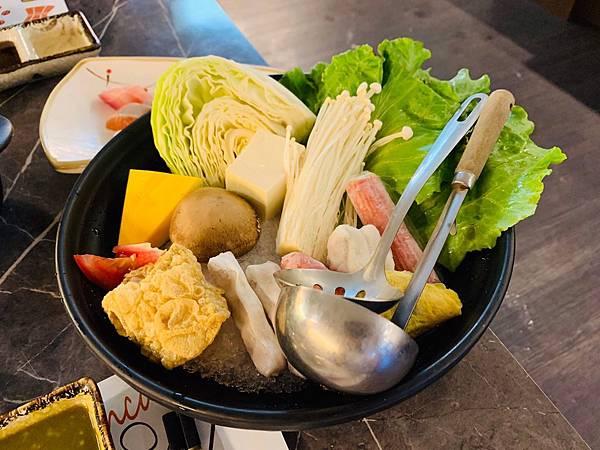 蟹飽王帝王蟹泰國蝦燒烤火鍋吃到飽_200529_0026.jpg