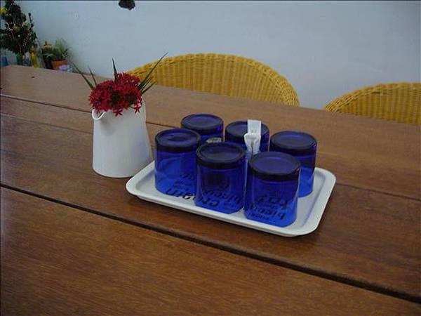 桌上茶具.jpg