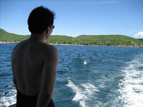 船上背影照.jpg