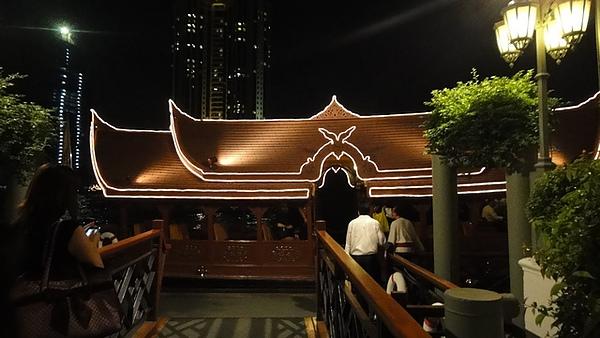 東方文華酒店的接駁船