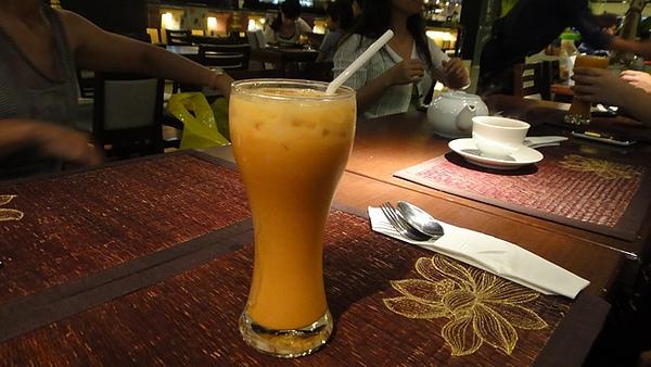 終於喝到泰式奶茶