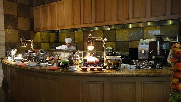 熱食區可以吃到Omelet