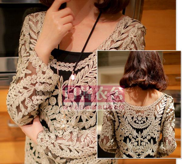 日韓衣舍-新款特價 宮廷刺繡大圓領喇叭袖網紗蕾絲衫 蕾絲罩衫
