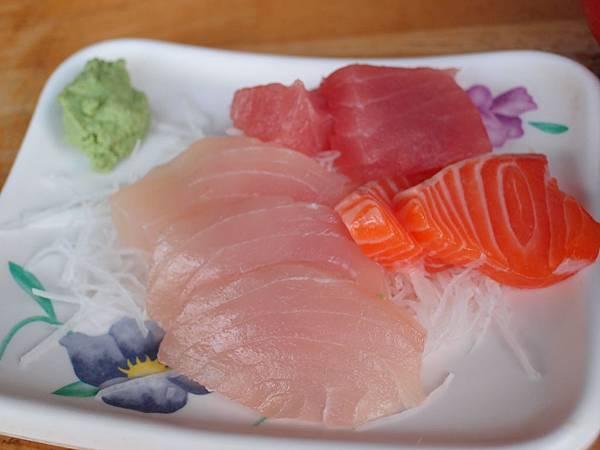 P2176167生魚片(旗鮪鮭)$130