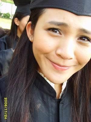 梁妹妹畢業了