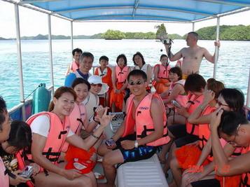 帛琉搭船出海啦,又是個美好的一天。