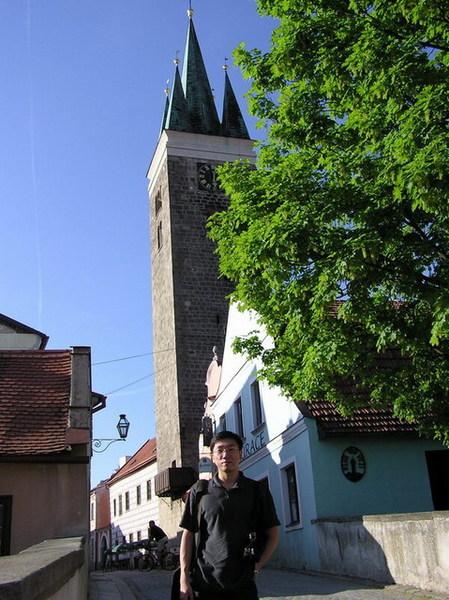 和聖靈教堂鐘塔合影