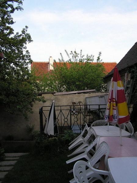 房間外的小院子