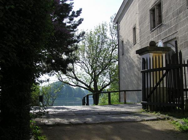 城堡花園的出入口