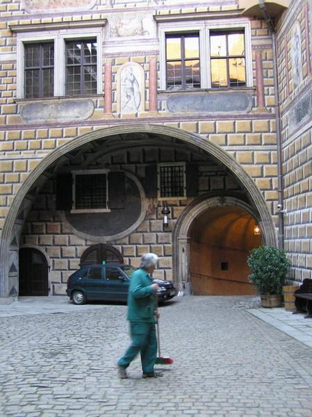 地點:Český Krumlov城堡中庭
