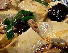 草菇燒豆腐