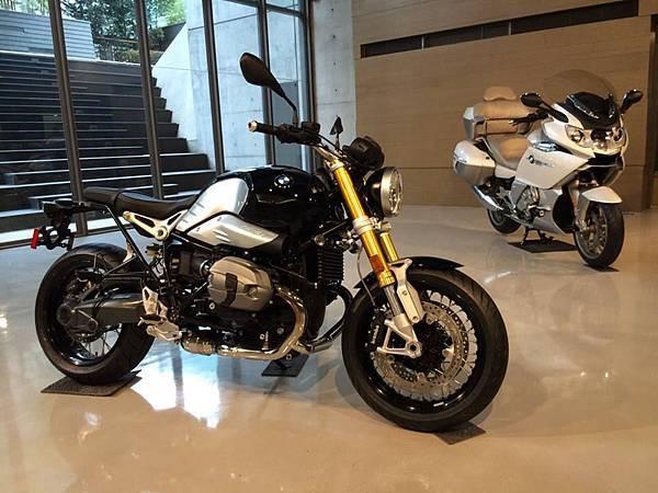 BMW R nineT & K 1600 GTL Exclusive.jpg