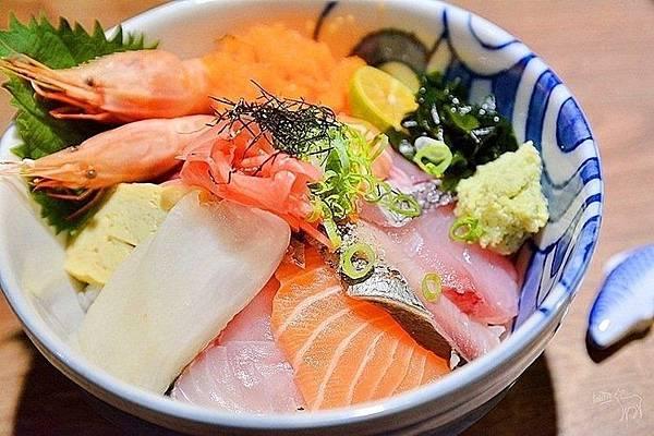 熱到沒胃口?大台北5家「隱藏版生魚片丼飯」讓你一吃開胃_04