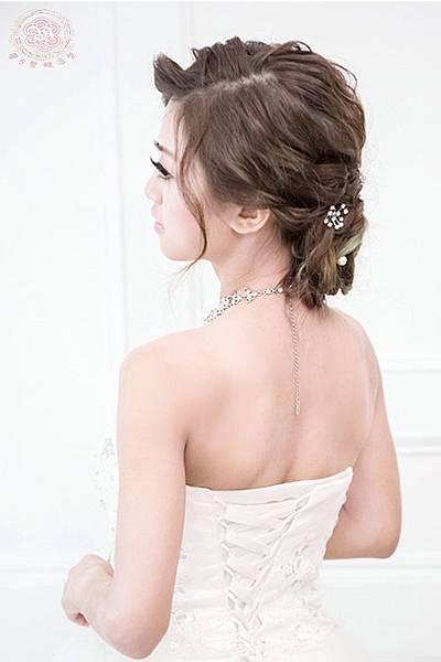 高雄新秘馨方-韓式浪漫玫瑰包頭03.jpg