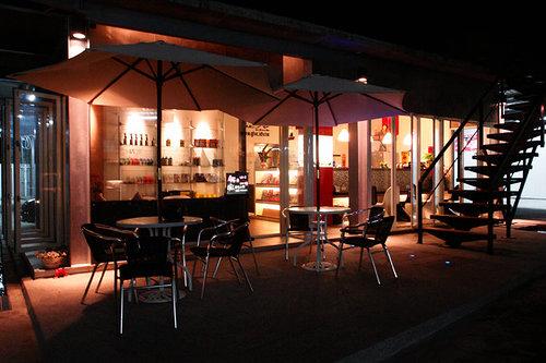 中庭咖啡廳休息區.2.jpg