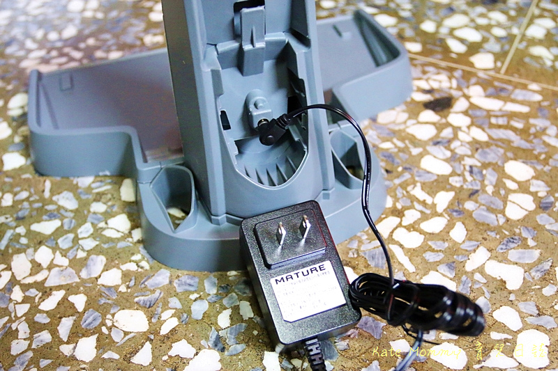 MATURE美萃 直立式無線吸塵器鋰電版 手持式吸塵器推薦31.jpg