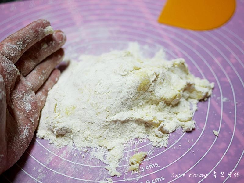 法式烤布蕾派食譜 烤布蕾派做法 法國鐵塔牌發酵奶油 鐵塔牌動物性鮮奶油 Elle&Vire13.jpg