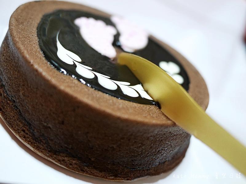 台中微甜森林 彌月蛋糕選擇 彌月蛋糕推薦 輕乳酪蛋糕 香蕉巧克力甜心蛋糕 雪燒23.jpg