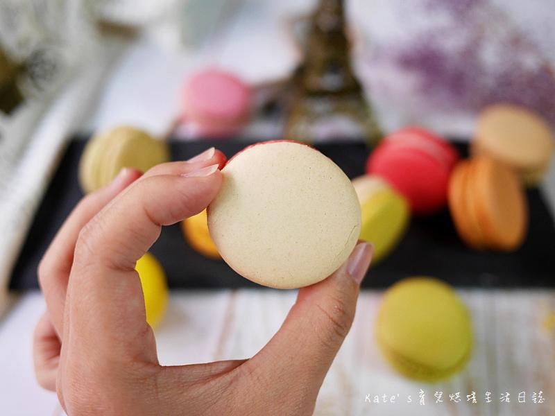 HABIBI Macaron HABIBI馬卡龍 好吃馬卡龍推薦 不甜膩馬卡龍 法國人開的馬卡龍12草莓馬卡龍.jpg
