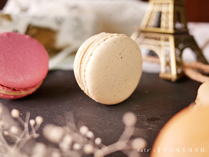 HABIBI Macaron HABIBI馬卡龍 好吃馬卡龍推薦 不甜膩馬卡龍 法國人開的馬卡龍15香草馬卡龍.jpg