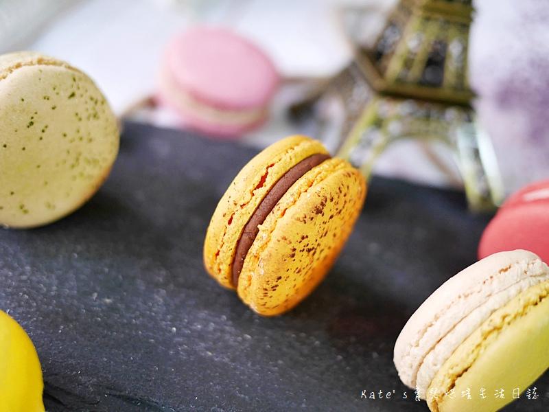 HABIBI Macaron HABIBI馬卡龍 好吃馬卡龍推薦 不甜膩馬卡龍 法國人開的馬卡龍19百香果巧克力馬卡龍.jpg