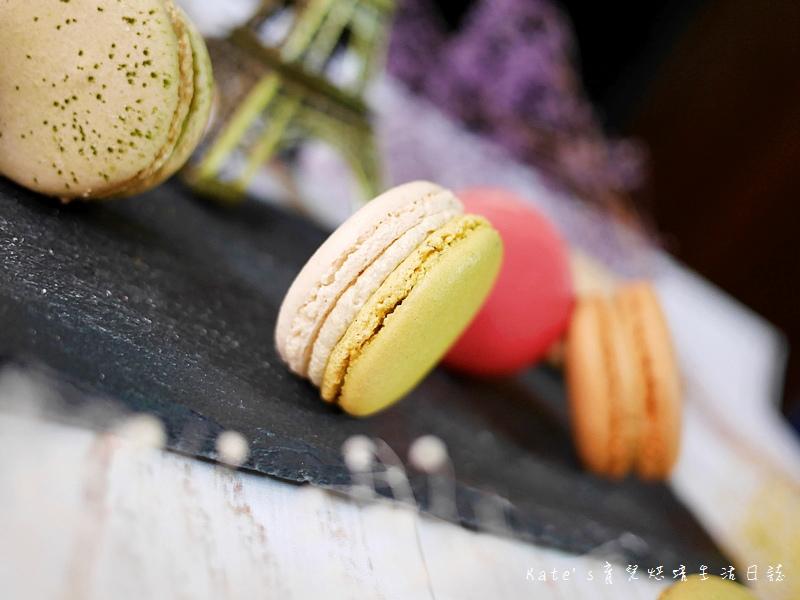 HABIBI Macaron HABIBI馬卡龍 好吃馬卡龍推薦 不甜膩馬卡龍 法國人開的馬卡龍26開心果馬卡龍.jpg