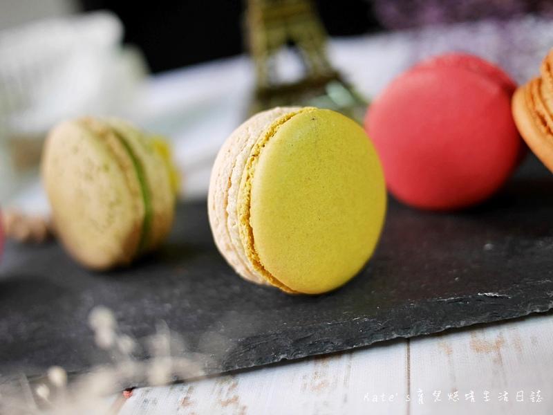 HABIBI Macaron HABIBI馬卡龍 好吃馬卡龍推薦 不甜膩馬卡龍 法國人開的馬卡龍27開心果馬卡龍.jpg
