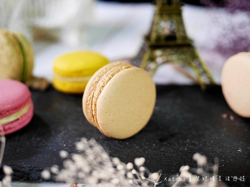 HABIBI Macaron HABIBI馬卡龍 好吃馬卡龍推薦 不甜膩馬卡龍 法國人開的馬卡龍32拿鐵馬卡龍.jpg