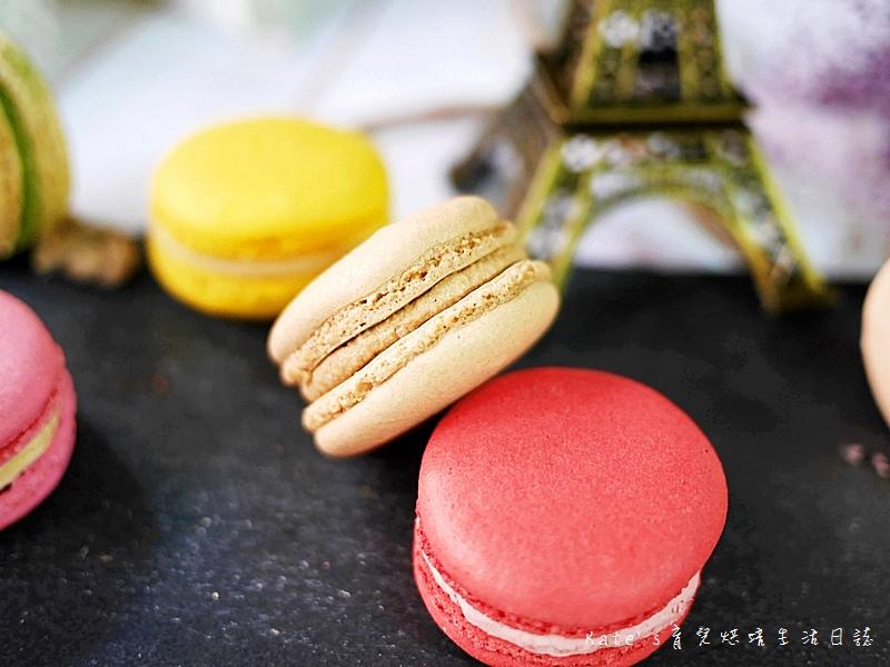 HABIBI Macaron HABIBI馬卡龍 好吃馬卡龍推薦 不甜膩馬卡龍 法國人開的馬卡龍33拿鐵馬卡龍.jpg