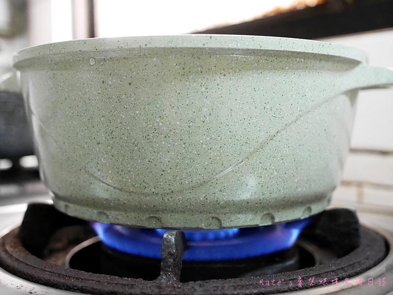 LA HOUSE湯鍋 南瓜玉米湯食譜 南瓜湯作法 LA HOUSE鍋具好用嗎 LA HOUSE與玫瑰鍋4.jpg