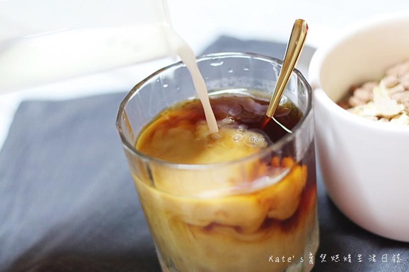 哈囉咖啡冰磚 HELLCOFFEE冰磚 哈囉咖啡好喝嗎 哈囉咖啡值得入手嗎 即冲即飲 咖啡冰磚推薦24.jpg