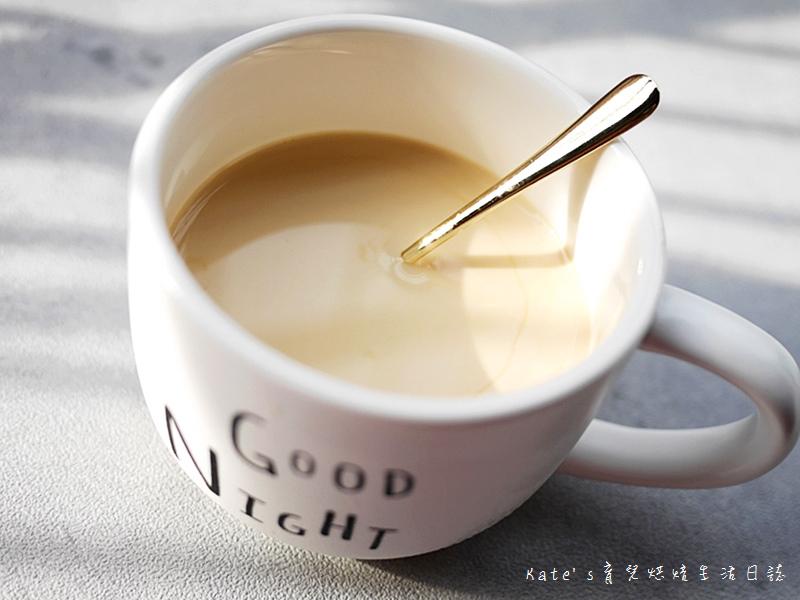 哈囉咖啡冰磚 HELLCOFFEE冰磚 哈囉咖啡好喝嗎 哈囉咖啡值得入手嗎 即冲即飲 咖啡冰磚推薦31.jpg