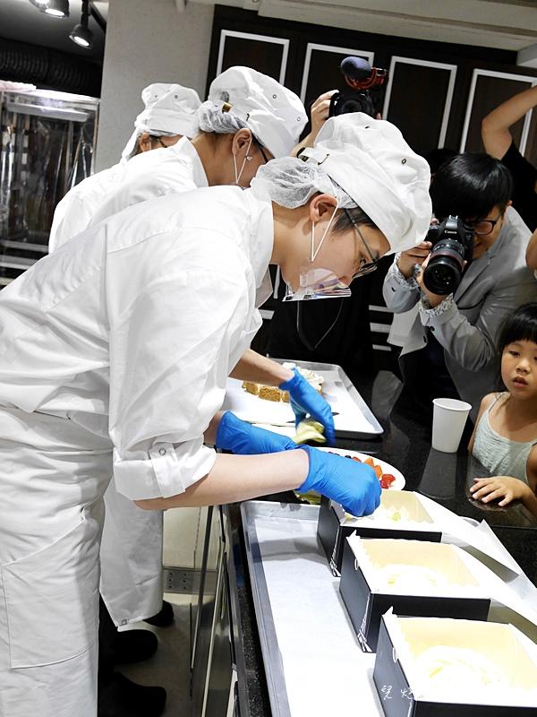法國的秘密甜點大安2店 法國的秘密甜點台北門市 東區下午茶 團購推薦 藍紋乳酪鮮奶蛋糕大安店限定 冰滴咖啡35.jpg