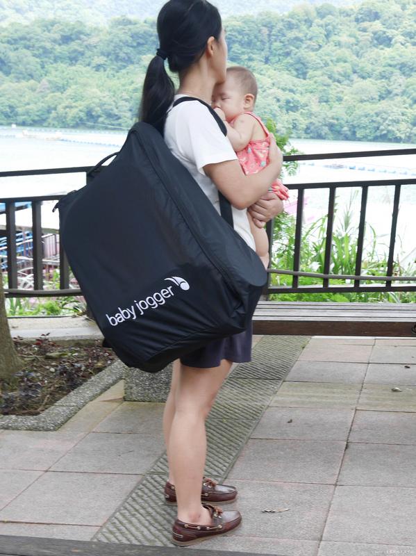 美國baby jogger city tour C形旋風輕量旅行車 單手秒開推車 嬰兒推車推薦 選擇嬰兒推車 好收納嬰兒推車46.jpg