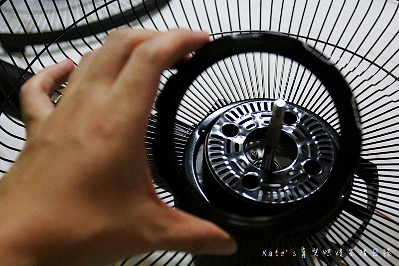 Haier14吋DC經典霧面黑風扇  Haier14吋DC直流變頻微電腦立扇 群光電子電風扇評價 海爾風扇好用嗎 省電電扇推薦 七片扇葉 12段風速 ECO溫感 可預約定時的電風扇30.jpg